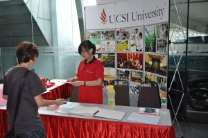 EduSpiral accompanies students to UCSI University and APU Open Days to take them on a tour of the campuses and provide course counseling to help them make better decisions for their future.