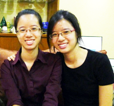 2013 A Levels 4 Straight A twin sisters Cherilyn and Jacqueline Hoe from HELP University