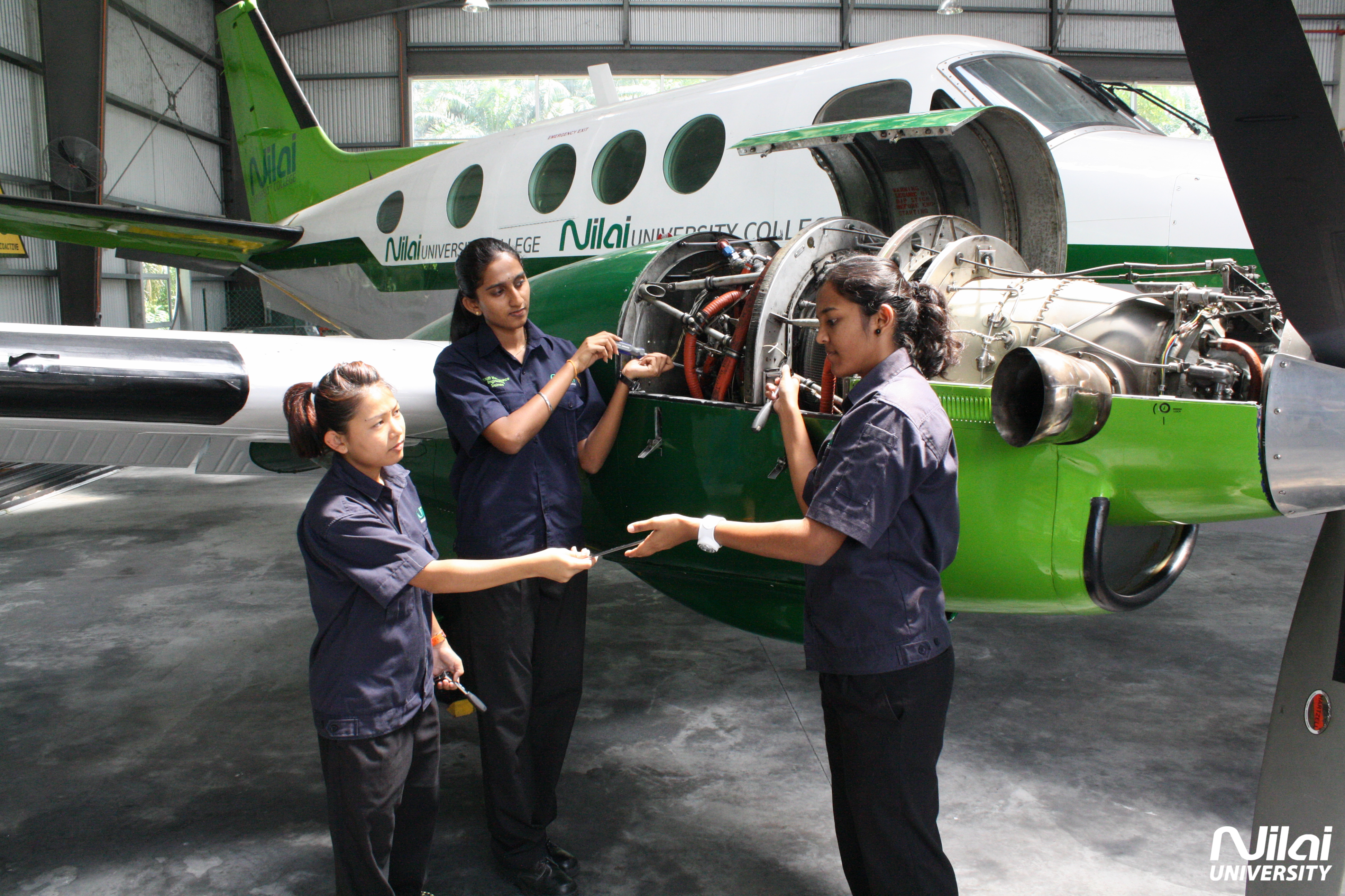 Aircraft Mechanic civil engineering subjects in college