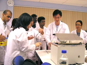 State-of-the-art biotech and biomedical labs at MDIS Singapore