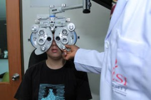 Excellent optometry equipment at the lab in UCSI University