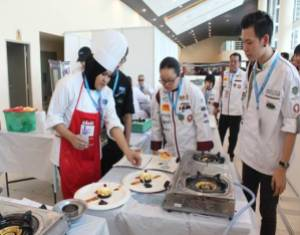 At the 1st Halal Battle of the Chefs Competition 2014 organised by the Chefs Association of Malaysia (Penang Chapter), KDU College Penang's Chef and students won a total of 1 Gold, 8 Silver, 3 Bronze and 2 Diplomas.