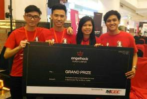 Asia Pacific University's Team Kraud, comprising Daryl Ong Wi Hsien, Lim Chu Seng, Chin Jess Nny and Armand Madewnus beat  370 participants from 90 teams, to win the Grand Prize at the AngelHack 9th Global Hackathon